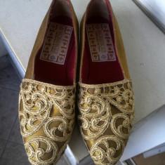 PANTOFI MORI& BOZZI CU BRODERIE APLICATA SI PIELE NATURALA MARIME 37 1/2, ITALIA - Pantof dama, Culoare: Bronz, Marime: 37.5, Textil