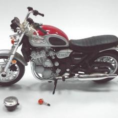 MOTOCICLETA-SCARA 1/18- BIKE-TRIUMPH++2999 LICITATII !!