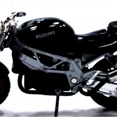 MOTOCICLETA-SCARA 1/18- BIKE- SUZUKI-++2999 LICITATII !!