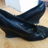 Pantofi din piele cu platforma marimea 39,purtati o singura data
