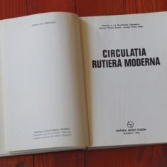 Carte -- Circulatia rutiera moderna - Ed. Sport - Turism 1976 - 336 pagini !!!