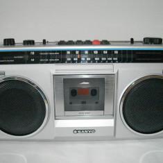 Radiocasetofon SANYO M9802F