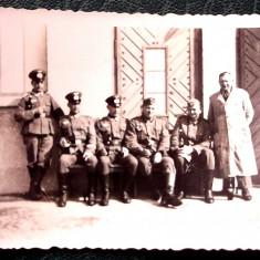 FOTOGRAFIE GERMANIA NAZISTA MILITARI GERMANI IN UNIFORMA NR. 16 - 9 x 6 cm ** - Fotografie veche