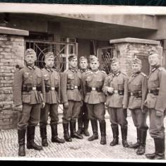 FOTOGRAFIE GERMANIA NAZISTA MILITARI GERMANI IN UNIFORMA NR 26, 15 x 10, 5 cm ** - Fotografie veche