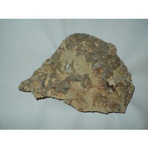 Floare de mina Cuart fumuriu pe bazalt