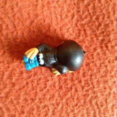 Figurina jucarie surpriza ou Kinder, cartita neagra cu binoclu, 4cm, plastic - Surpriza Kinder