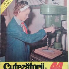 Cutezatorii 44 din 28 octombrie 1976, anul X (nr. 475)/ Detasamentul erou ep. 2 - Revista scolara