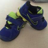 Adidasi superbi  Nike originali, mar 23,5, 13 cm int