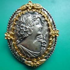 SUPERBA BROSA CAMEE VECHE ARGINT - Brosa argint