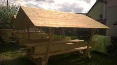 vand foisor din lemn