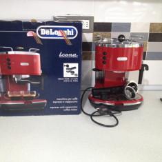 Espressor cafea 1100W, 15 bari DeLonghi Icona Vintage rosu - Espressor automat Delonghi, Cafea macinata, 1.4 l