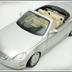 MACHETĂ METALICĂ MAISTO - LEXUS SC 430, SCALE 1/18, MADE IN THAILAND, 0.7 KG! - Macheta auto