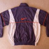 Geaca primavara / toamna Nike; marime S (173 cm inaltime), vezi dim.; impecabila
