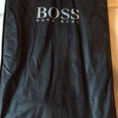 Costum Hugo Boss - Costum barbati Hugo Boss, Marime: 58, Culoare: Negru, 3 nasturi, Marime sacou: 58, Lung