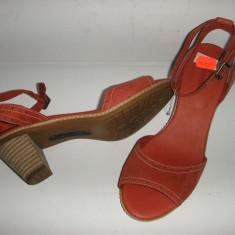 OFERTA! Sandale dama TIMBERLAND originale noi piele nubuck rosu comode 37, 5, Piele naturala