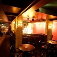 Mobilier si sonorizare pentru cafenea si club - Mobila pentru baruri si cluburi