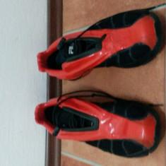 Adidas Fila Ferrari - Adidasi barbati FILA, Marime: 42.5, Culoare: Rosu, Textil