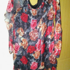 Bluza dama foarte frumoasa material triplu voal merge la M, L pret 35 ron, Marime: 42, Culoare: Multicolor, Maneca lunga