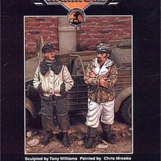 + Kit figurine RASINA 1/35 Warriors 35481 - SS Elite Troops Budapesta +