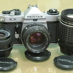 Trusa Pentax KX cu trei obiective: 28mm, 50mm, 135mm - DSLR Pentax, Kit (cu obiectiv), 12 Mpx, HD