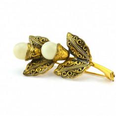 Brosa Aur Negru Toledo - Damasquinado, Spania, model floral arabesque, 2 perle - Brosa placate cu aur