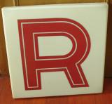 Vintage - reclama din plastic dimensiuni mari - anii 90 litera R