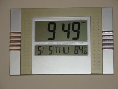 Ceas pentru camera cu calendar si indicator temperatura foto