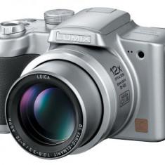 Aparat foto Panasonic DMC-FZ4 - Aparat Foto compact Panasonic, Compact, Sub 5 Mpx, 12x, Sub 2.4 inch