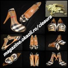 PANTOFI DAMA PANZA FUNDITE SATIN GEN firma BURBERRY PLATFORMA ASCUNSA TOC 13 CM - Pantof dama Burberry, Culoare: Din imagine, Marime: 37, 38, 40, Textil