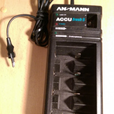 Incarcator universal de baterii Ansmann - Incarcator Aparat Foto