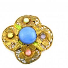 Brosa aurita, anturaj cristale color, bijuterie antica edwardiana, Art Nouveau - Brosa placate cu aur