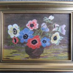 "Goblen inspirat  tabloul "" Anemone"" de Luchian,,vechi , rama aurita - 7"