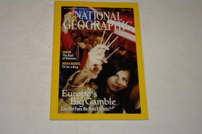 National Geographic - may 2004 - Europe's Big Gamble