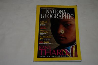 National Geographic - september 2000 - Rana Tharu - Nepal's women og grace foto