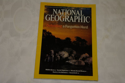 National Geographic - march 2007 - Defending a forgotten herd foto