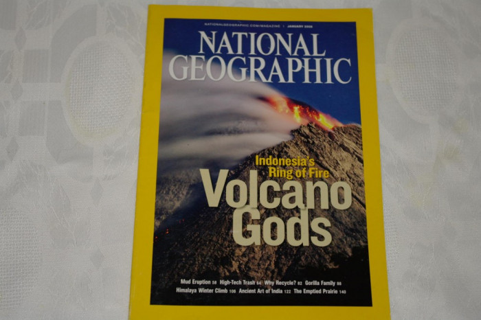 National Geographic - january 2008 - Indonesia's ring of fire - Volcano Gods