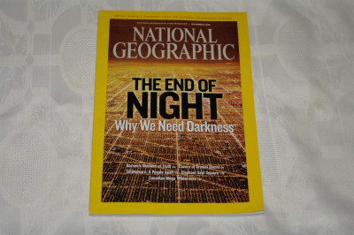 National Geographic - november 2008 - The end of night - Why we need darkness foto