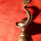 Clopotel bronz cu statueta -Peste, h= 12, 5 - Metal/Fonta
