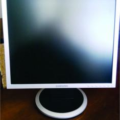 Monitor TFT LCD Samsung 19 inch 940N 1280 x 1024 non wide mufa VGA - Monitor LCD Samsung, VGA (D-SUB), TN
