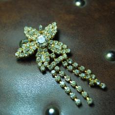 Brose zirconii stralucitoare, rafinata, placata aur galben, provenienta Franta - Brosa placate cu aur