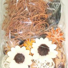 Mix plante naturale, frunze, fructe uscate si flori lemn, pret punga