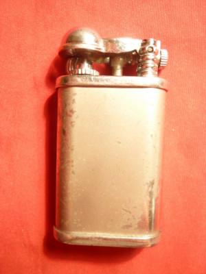 Bricheta veche cu brat mobil ,h= 6 cm ,metal argintat ,personalizat Alex Bog foto