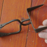 Scule / unelte - Vechi dispozitiv manual din metal - model deosebit !!!! - Metal/Fonta