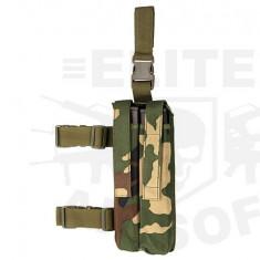 Portincarcator picior P90 Woodland [8FIELDS] - Echipament Airsoft
