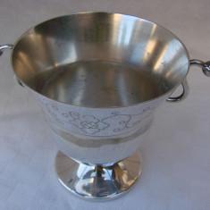 Frumoasa cupa din alpacca - perioada anilor 1950 - Argint, Ornamentale