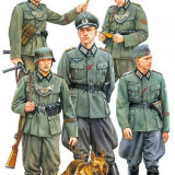 + Kit figurine 1/35 Tamiya 35320 - German Field Police (FARA CUTIE) +