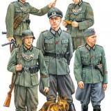 + Kit figurine 1/35 Tamiya 35320 - German Field Police (FARA CUTIE) +