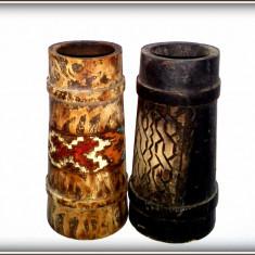 Lot 2 canite - miniaturi din lemn pictat, cu motive romanesti - interbelice