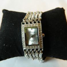 Ceas de dama GENOA cu pietre  bratara impletita, argintiu
