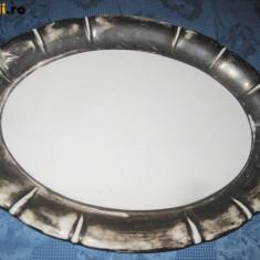 3.PLATOURI PORTELAN Vintage.  Platou mare ceramica cu bordura groasa argintata.